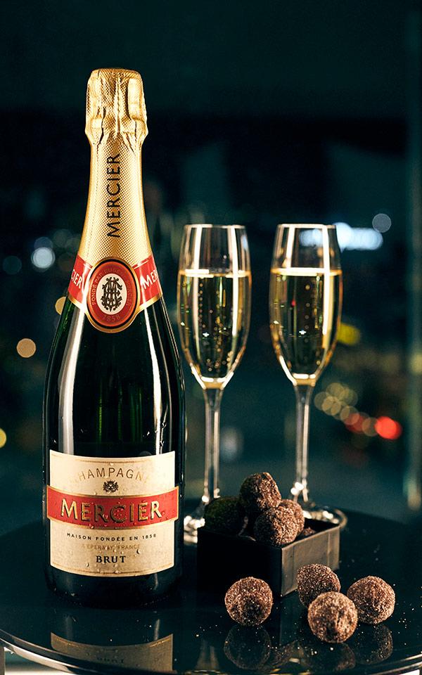 VIP Clarion Hotel Post. Njut av flaska väl kyld champagne - kanske tillsammans med några tryfflar?
