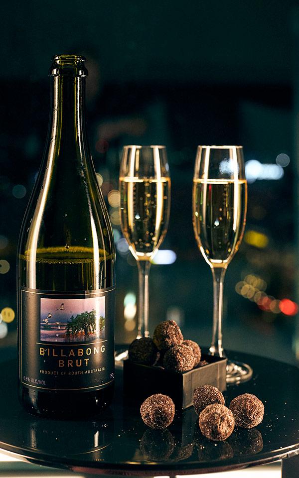 VIP Clarion Hotel Post. Njut av flaska alkoholfritt bubbel - kanske tillsammans med några tryfflar?